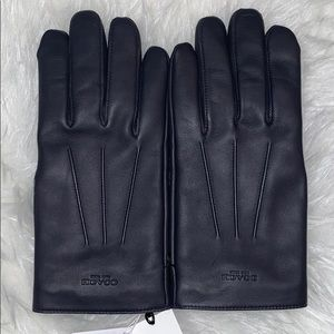 Coach men's leather gloves-NWT-Authentic